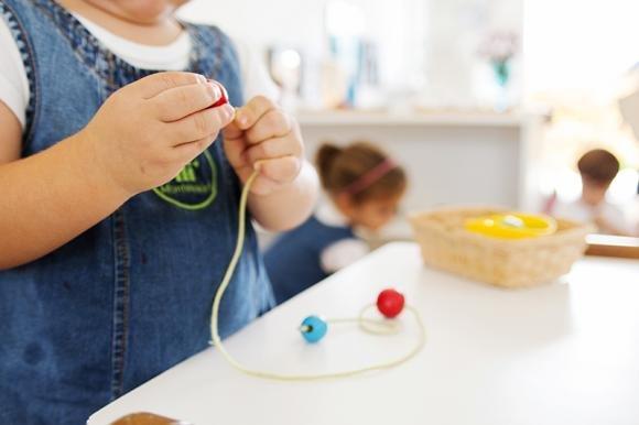 Metodo Montessori: in cosa consiste, pro e contro