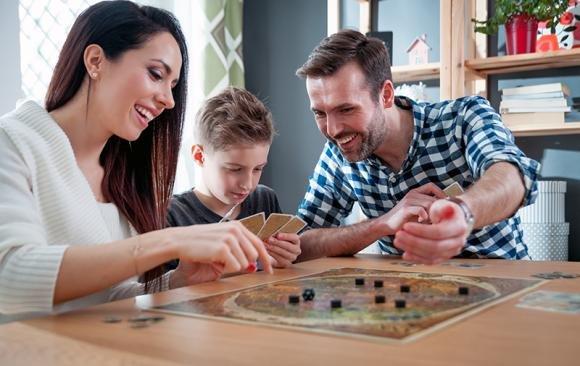 Giochi da fare in casa: idee per far divertire i bambini