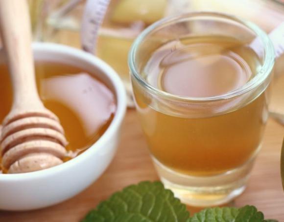 Aceto di miele per dimagrire e combattere tosse, raffreddore e insonnia