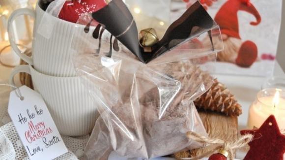 Regali di natale in…TAZZA! Quando le MUG CAKE diventano un grazioso regalino natalizio