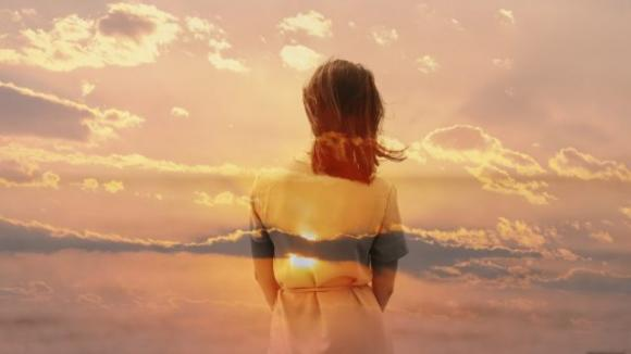 Una donna forte non si fa alcun problema, se non le dai attenzione se ne va