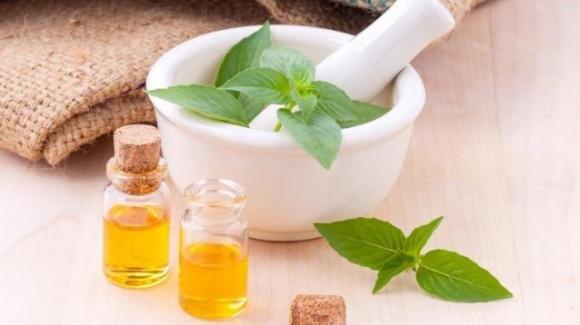 Come curare il mal di testa grazie alle erbe