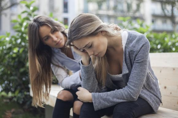 Come aiutare un'amica depressa