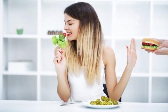 Dieta anticolesterolo: cosa mangiare e cibi da evitare