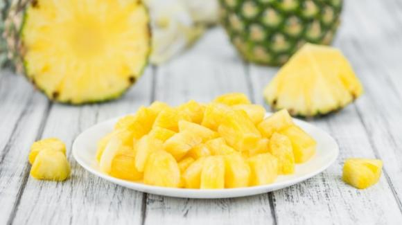 Ananas: proprietà benefiche e falsi miti