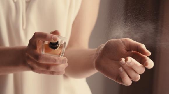 Come creare profumi in casa propria con pochi ingredienti