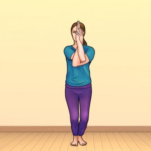 Questo semplice esercizio ti aiuterà a ridurre il mal di schiena e a migliorare la postura: bastano solo 2 minuti al giorno!