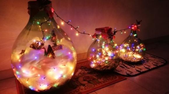 Come riutilizzare le damigiane in tempo natalizio