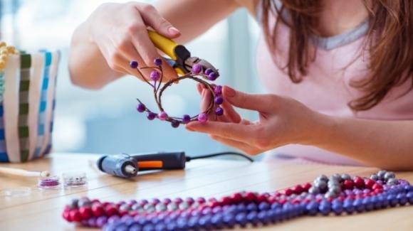 Come costruire un braccialetto di perle con il proprio nome