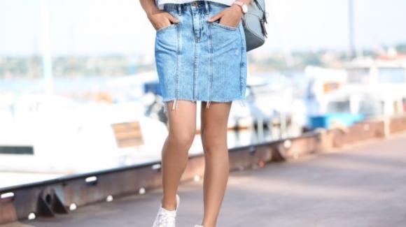 Come trasformare un paio di jeans in una gonna