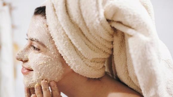 Come realizzare uno scrub viso per pelle grassa alla banana