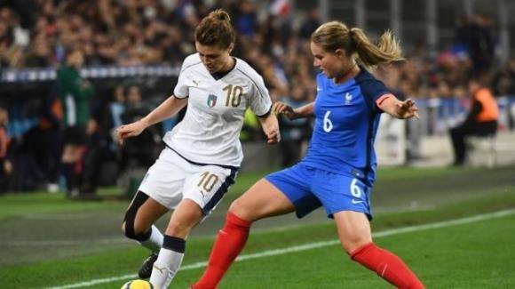 Perché le ragazze dovrebbero giocare a calcio?