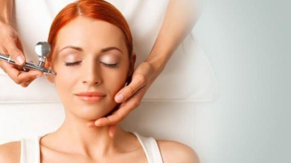 Ossigenoterapia estetica al viso: cos'è, quali sono i benefici e le controindicazioni