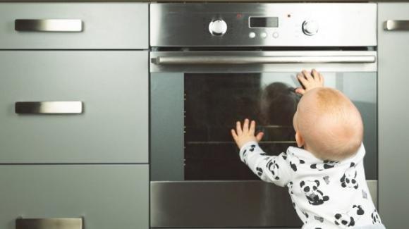 Ustioni domestiche: i consigli per prevenirle nei piccoli