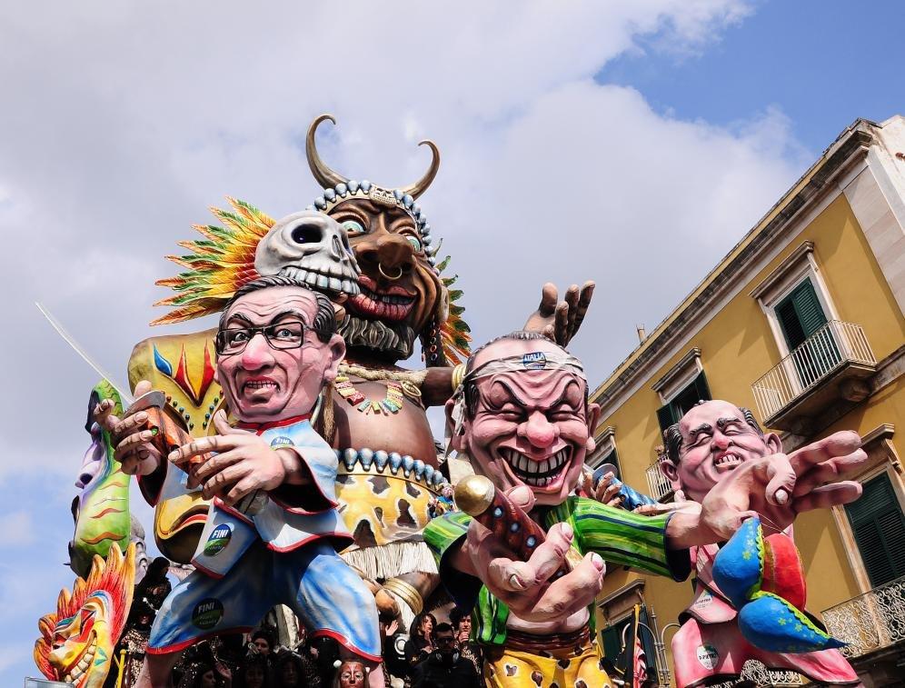 Al via il Carnevale di Putignano. Sfilate dedicate a Giuseppe Verdi
