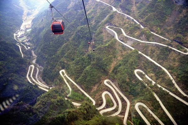 Cina: alla scoperta della Porta del Paradiso, in cima al Monte Tianmen