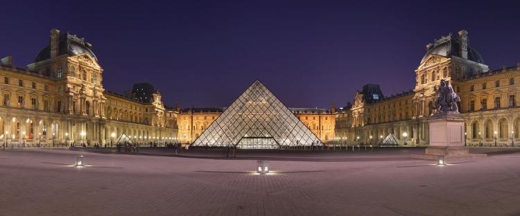 Museo del Louvre di Parigi