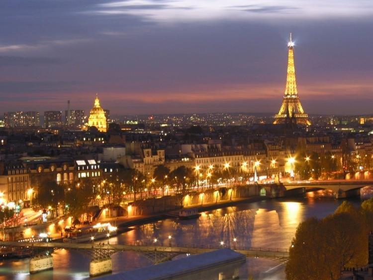 Cosa fare a Parigi di sera