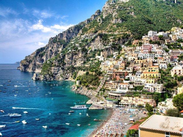 Capri: mare blu e passeggiate, immersi nella natura
