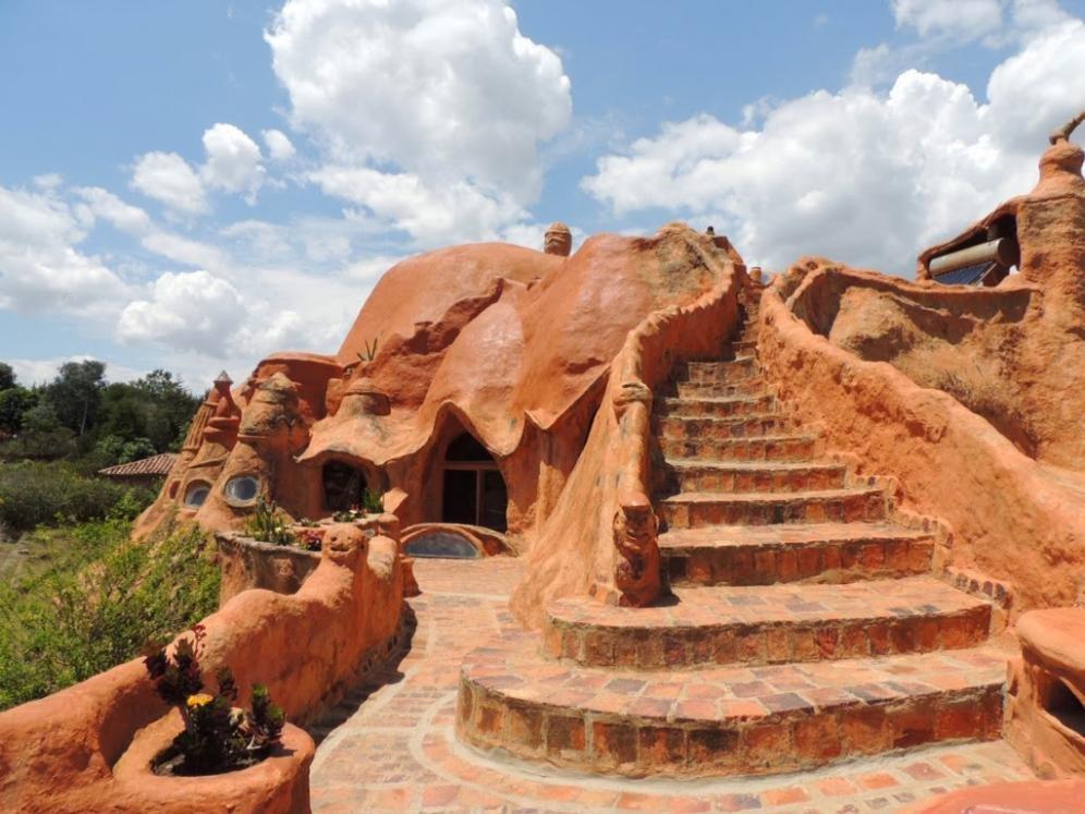 La casa dei Flintstones, tutta in terracotta