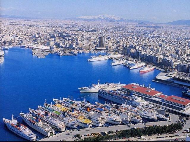 Porto del Pireo ad Atene