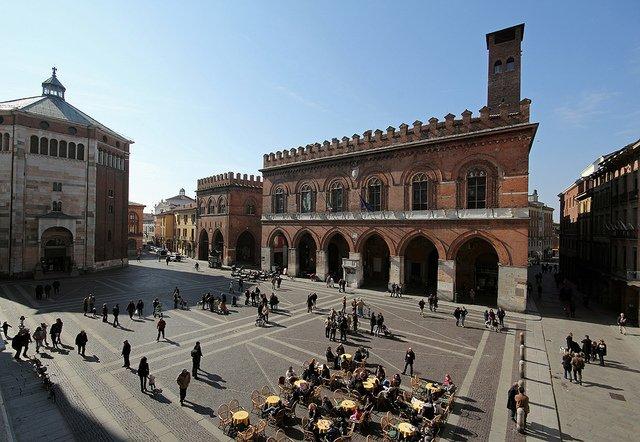 Piazza del Comune a Cremona
