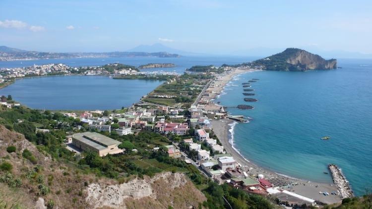 Campi Flegrei a Napoli