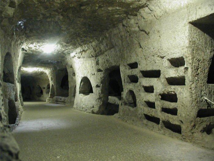 Catacombe di San Giovanni a Siracusa