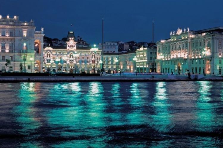 Piazza dell'Unità d'Italia e Molo Audace a Trieste