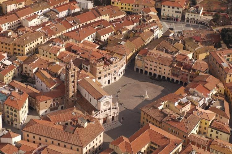Piazza Dante Alighieri a Grosseto