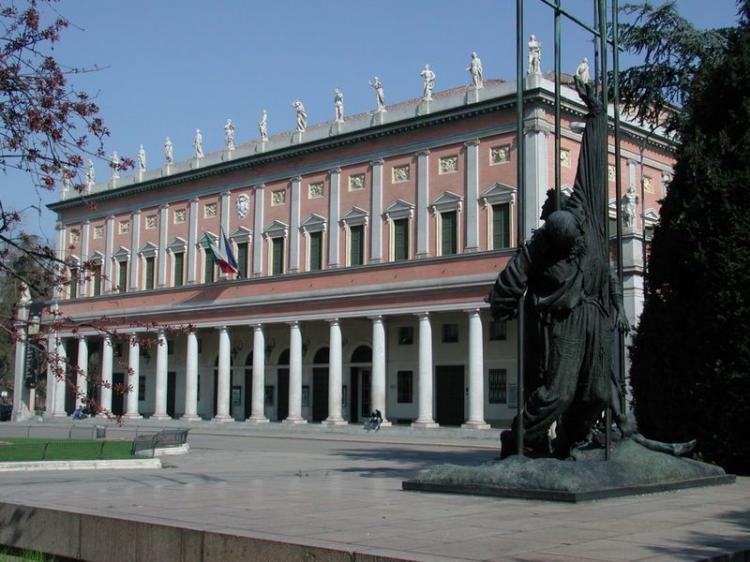 Piazze dei Teatri a Reggio Emilia