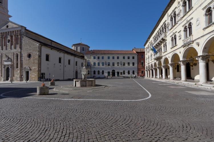 Piazza del Duomo a Belluno