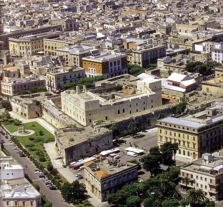 Castello di Carlo V a Lecce