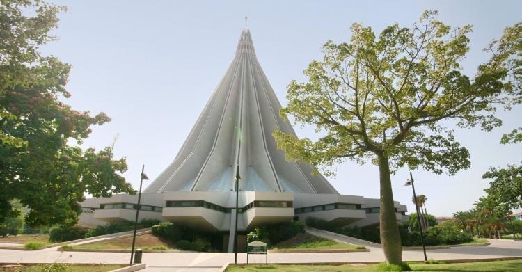 Santuario della Madonna delle Lacrime a Siracusa