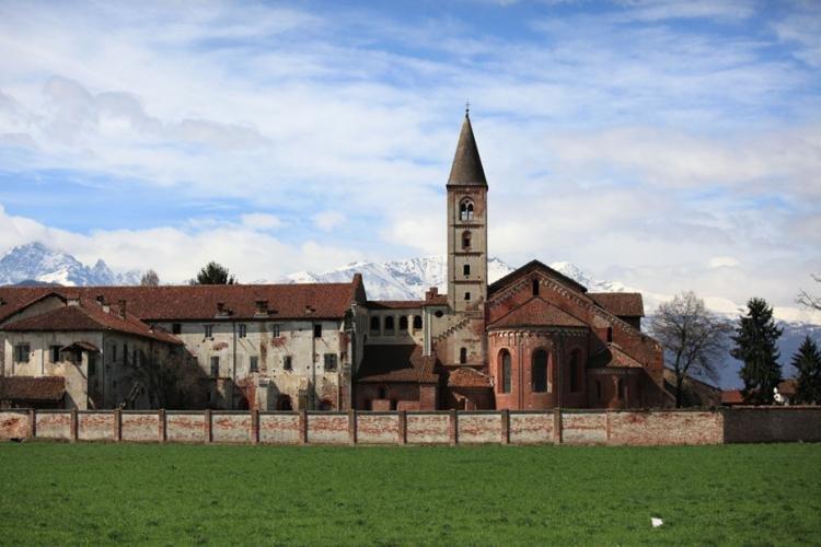 Abbazia di Santa Maria di Staffarda a Cuneo