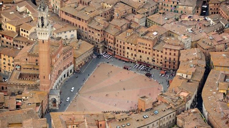 Piazza del Campo e il Palio di Siena