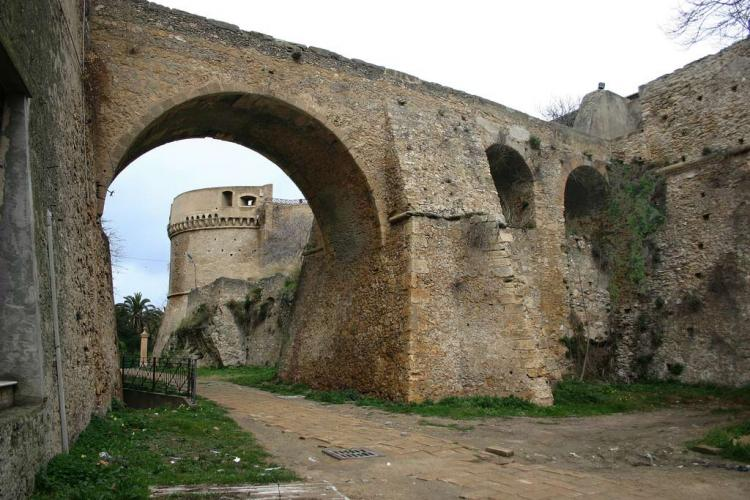 Castello di Carlo V a Crotone