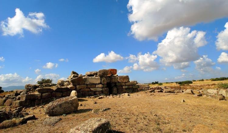 Tomba dei Giganti Sa Domu 'e S'Orcu