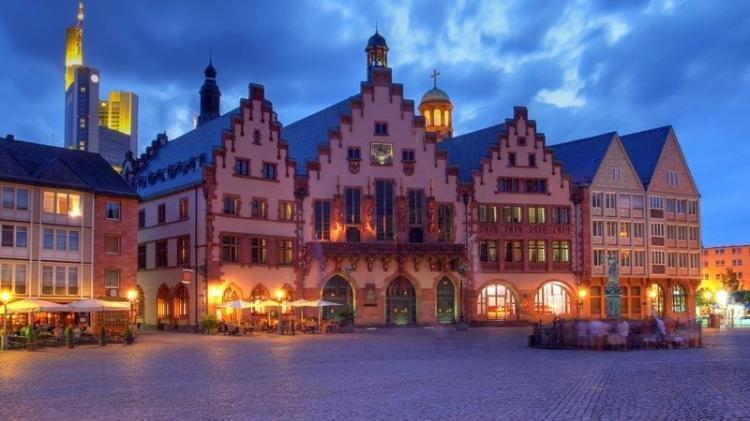 Piazza Romerberg di Francoforte