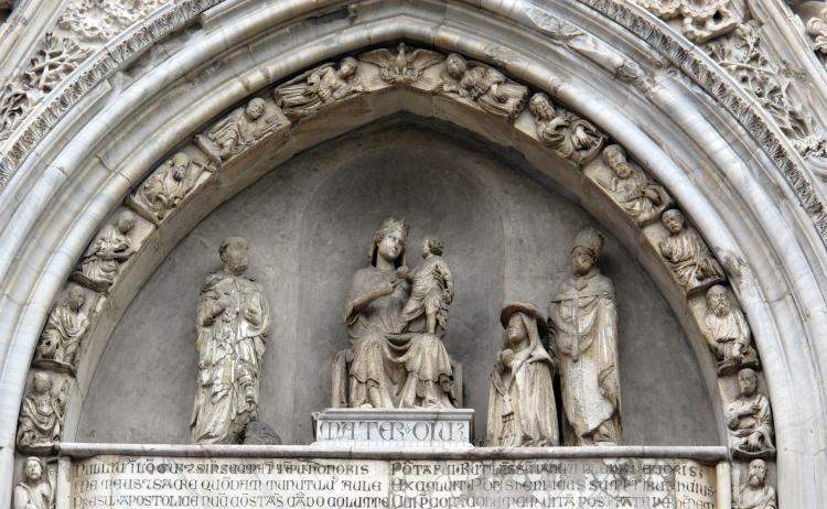 Cattedrale di Santa Maria Assunta a Napoli