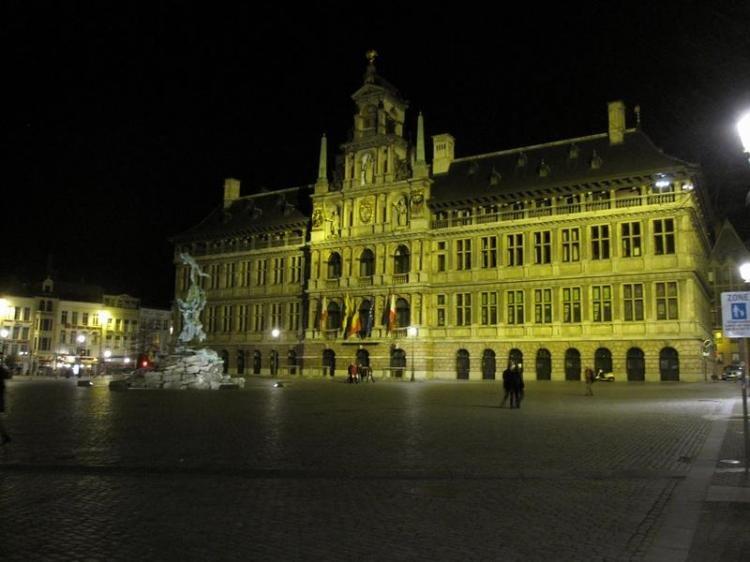 Cosa fare ad Anversa di sera