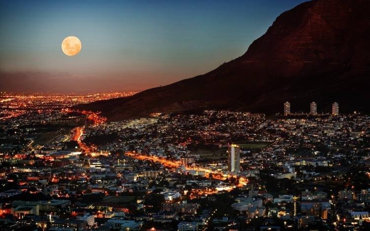 Cosa fare a Città del Capo di sera
