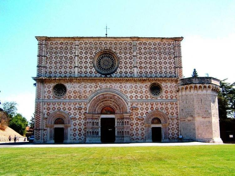 Basilica di Santa Maria di Collemaggio a L'Aquila