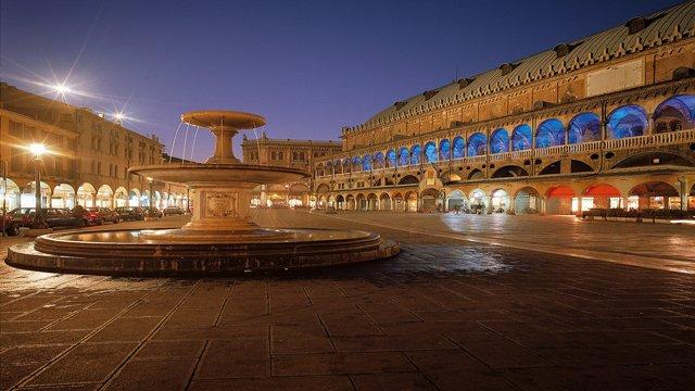 Piazza delle Erbe a Padova