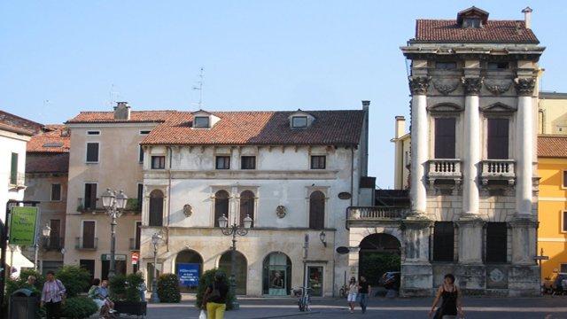 Palazzo Porto in Piazza Castello a Vicenza