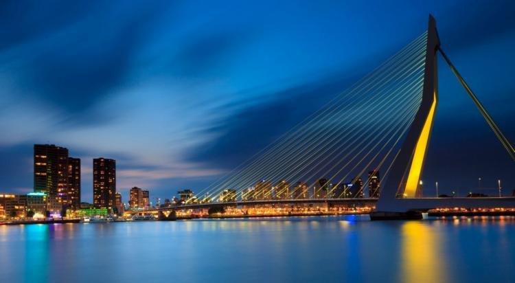Erasmusburg di Rotterdam