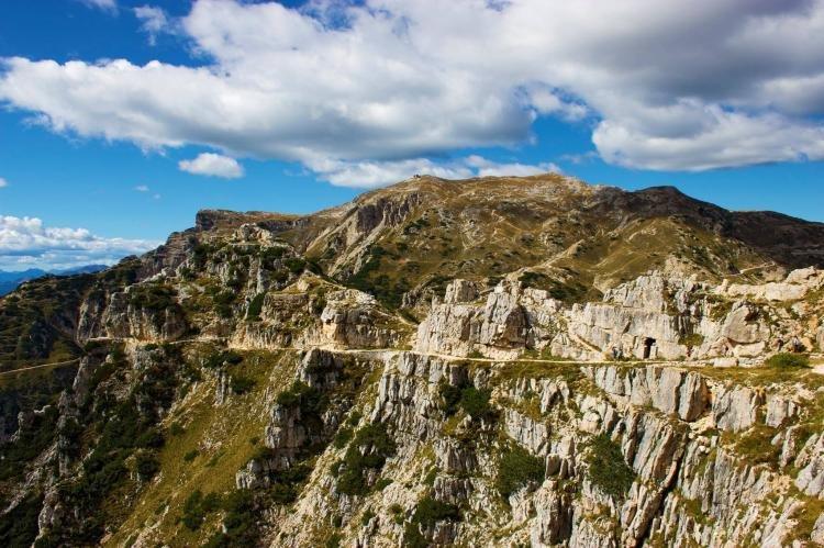 La Strada delle 52 gallerie, escursione nelle Valli del Pasubio