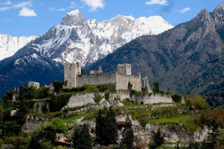Breno in Val Camonica ed il suo castello