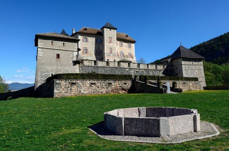 Castel Thun nella Val Di Non in Trentino