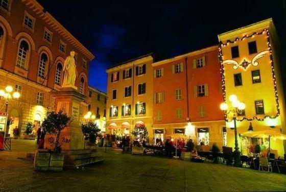Un'immagine del centro storico di Stintino